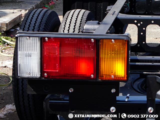 Đèn sau xe